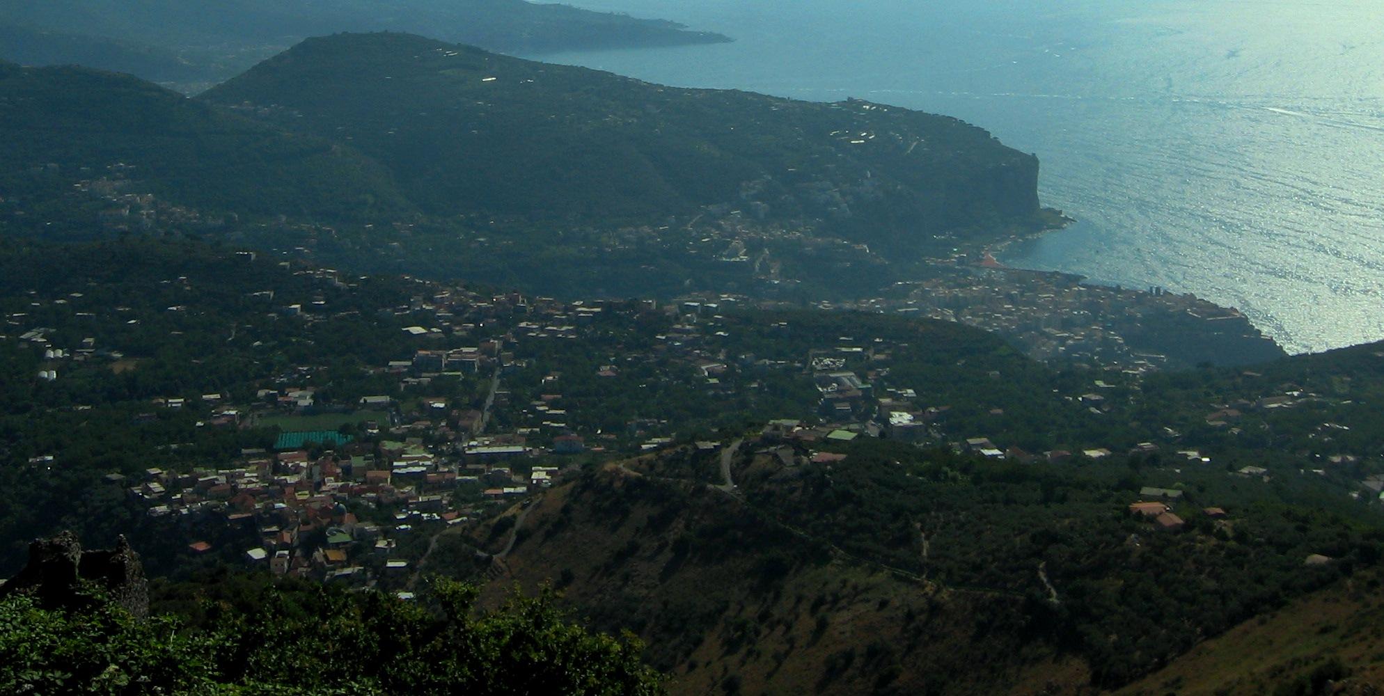 Vico Equense visto dal Monte Faito